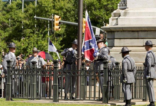 Retirada de la bandera confederada en Carolina del Sur