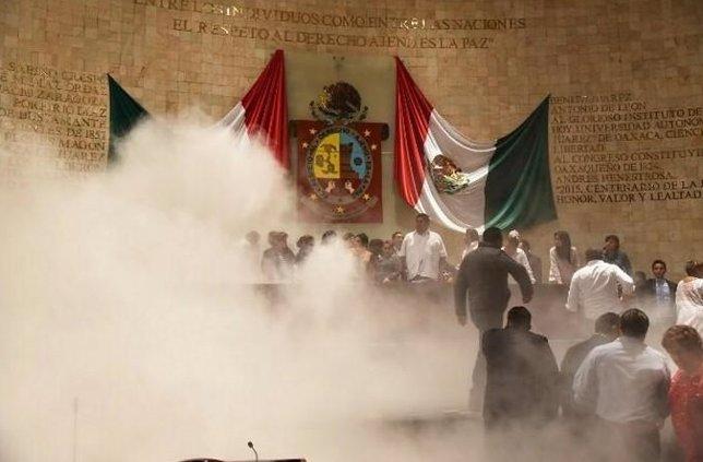 enfrentamiento en el Congreso de Oaxaca