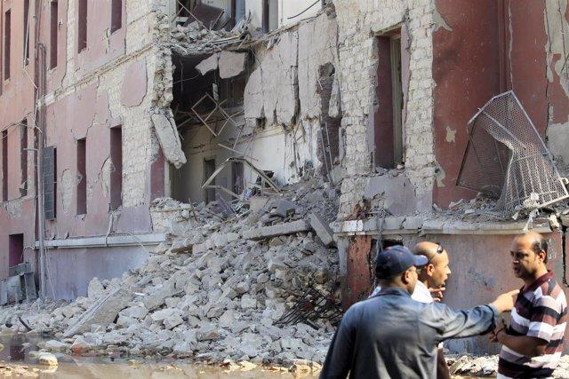 coche bomba frente a la sede del Consulado de Italia en El Cairo