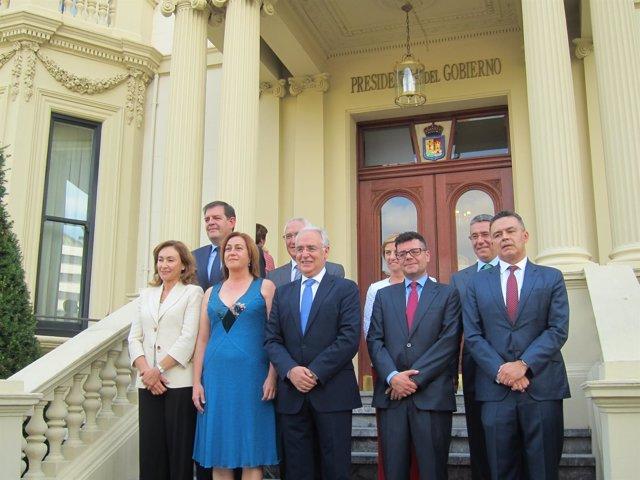 José Ignacio Ceniceros junto con sus consejeros