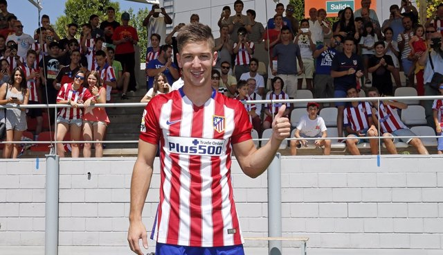 El delantero argentino del Atlético de Madrid Luciano Vietto