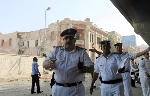 Atentado contra el Consulado de Italia en El Cairq