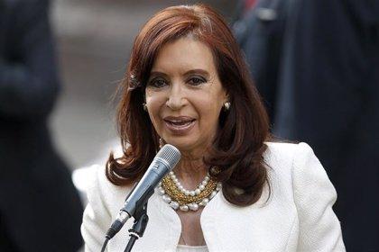 Fernández de Kirchner participará en una misa que oficiará hoy el Papa Francisco