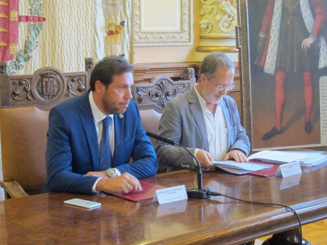 Óscar Puente (izquierda) y Manuel Saravia (derecha)
