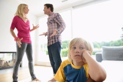 Las discusiones entre padres afectan al cerebro de los niños
