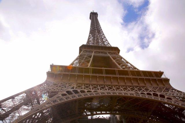 Google Cultural Institute ofrece la posibilidad de ver de más cerca la Torre Eif