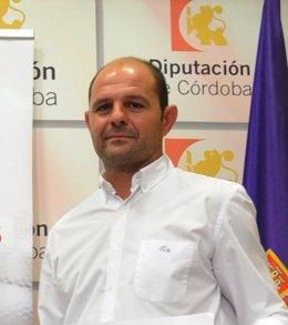 El alcalde de Montalbán, Miguel Ruz (IU), en una rueda de prensa en Diputación