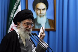 Jamenei advierte de que Irán no modificará su política contra EEUU pese al acuerdo