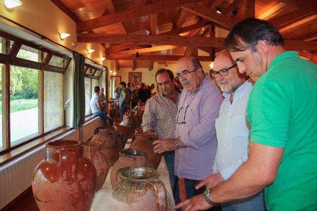Oria inaugura una exposición de alfarería y cerámica en Camaleño