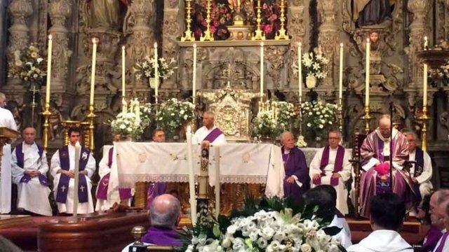 Funeral de Carlos Martínez, presidido por el arzobispo Asenjo