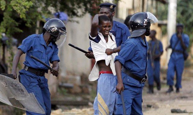 Cinco muertos en Buyumbura en protestas del domingo contra el presidente