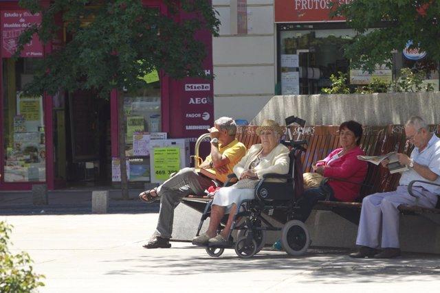 Pensión, pensionistas, jubilados, ancianos, ancianas, anciana
