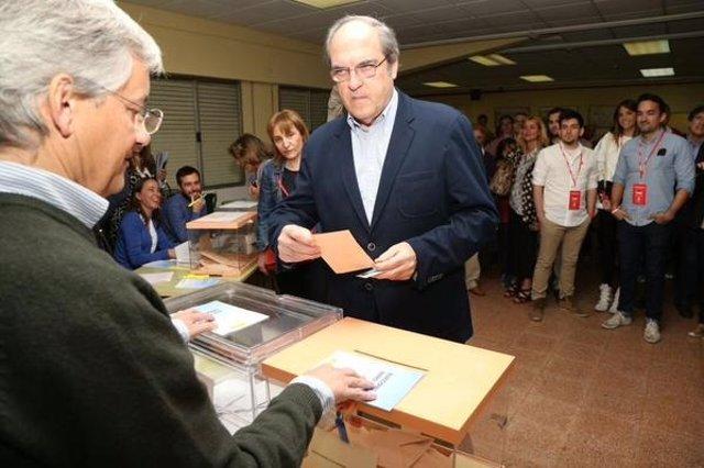 Gabilondo votando