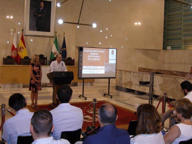 Rodríguez-Comendador presenta el plan de movilidad urbana