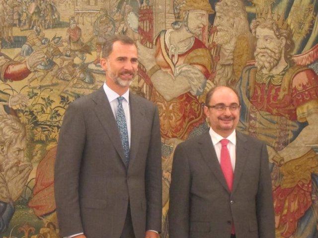 El Rey recibe en audiencia al presidenta de Aragón, Javier Lambán