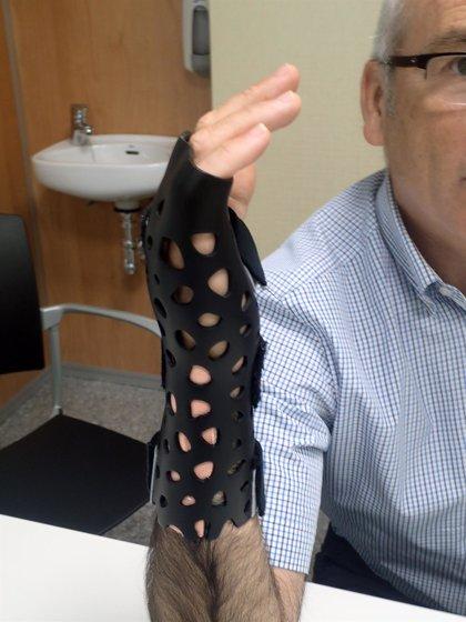 Colocan por primera vez una férula impresa en 3D para inmovilizar una fractura