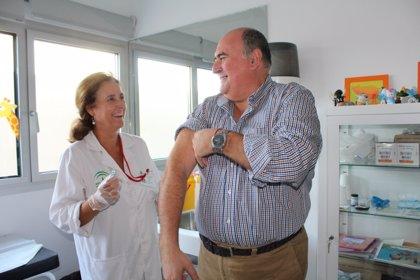 Geriatras recomiendan la creación de un calendario de vacunas específico para mayores