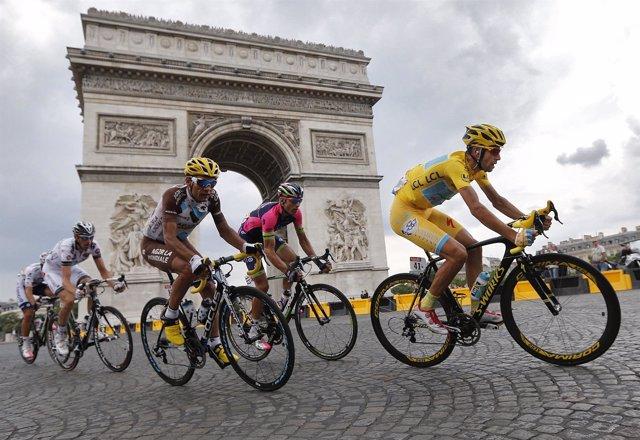 Nibali Arco del Triunfo Tour Francia