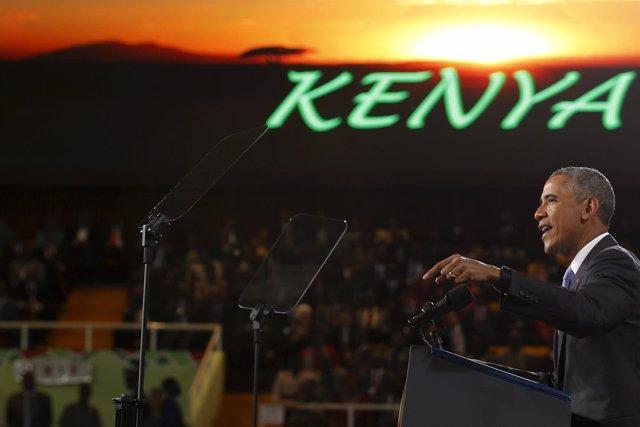 Obama se despide de los keniatas ante una multitud en Nairobi
