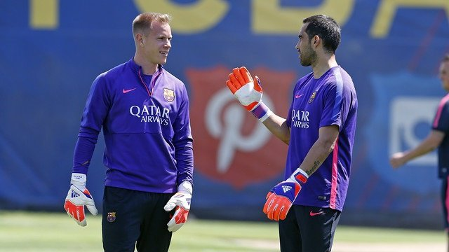 Ter Stegen Claudio Bravo Barcelona entrenamiento