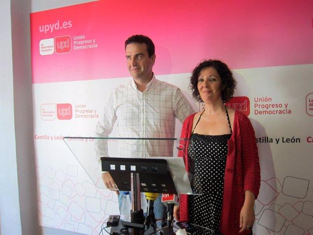 Gorka Maneiro y Águeda Arranz, del Consejo de Dirección de UPyD.