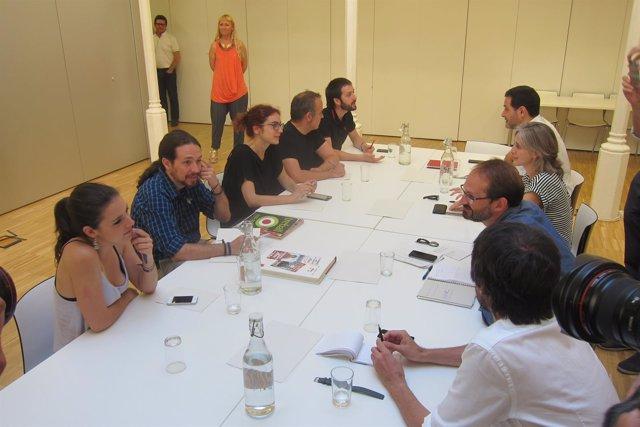 Pablo Iglesias, Gemma Ubasart y dirigentes de Podemos se reúnen con ICV