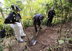 Colombia busca a 52.000 desaparecidos mientras ava