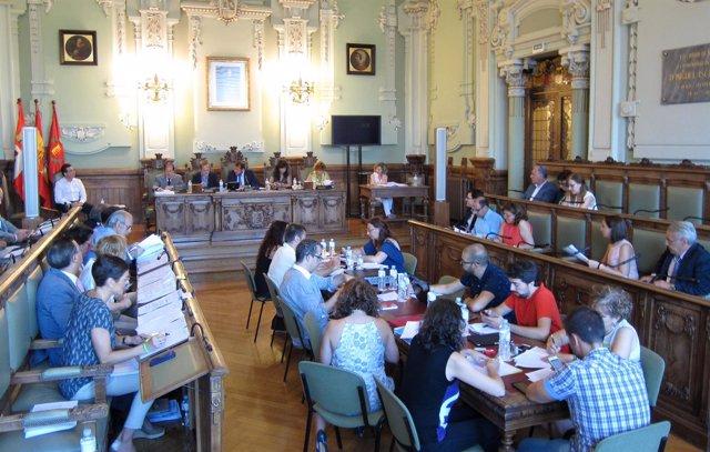 Valladolid aprueba una mesa sobre intermediación hipotecaria y pedir ...