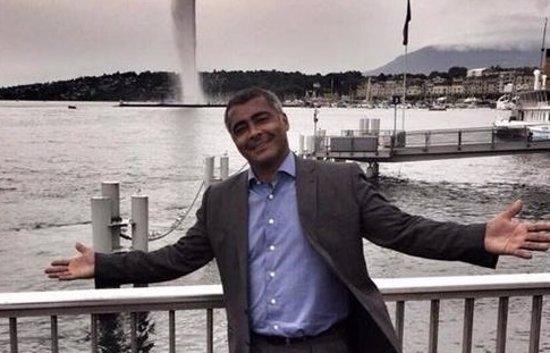 Romario, posando en Ginebra con el famoso 'geiser' detrás