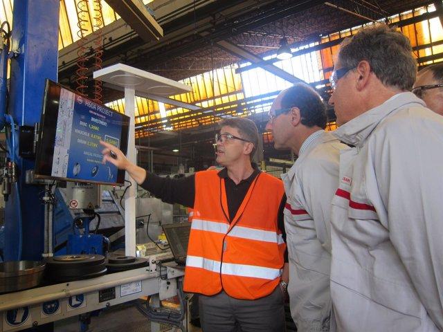 Ignacio Diego en la planta de Nissan de Los Corrales de Buelna