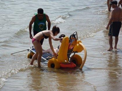 La Fundación Caser presenta su programa para facilitar la accesibilidad en las playas