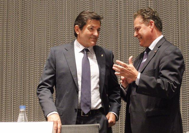 Javier Fernández, a la izquierda