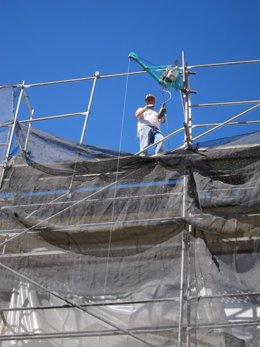 Un trabajador en una obra