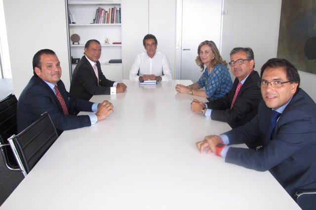 Reunión entre el Gobierno y la Cámara de Torrelavega