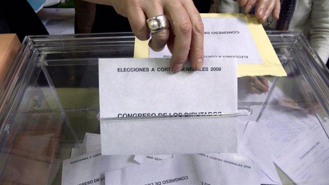 Elecciones, voto, urna.