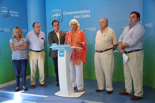 Diputados y senadores del PP de Cádiz en rueda de prensa