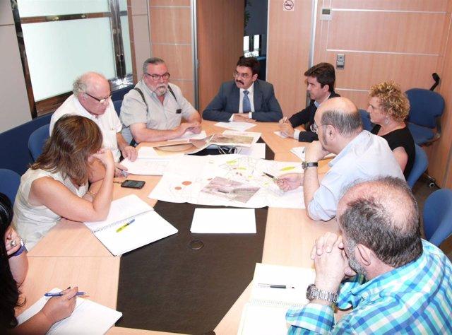 Primera reunión entre la CHE y una representación del Ayuntamiento de Huesca.