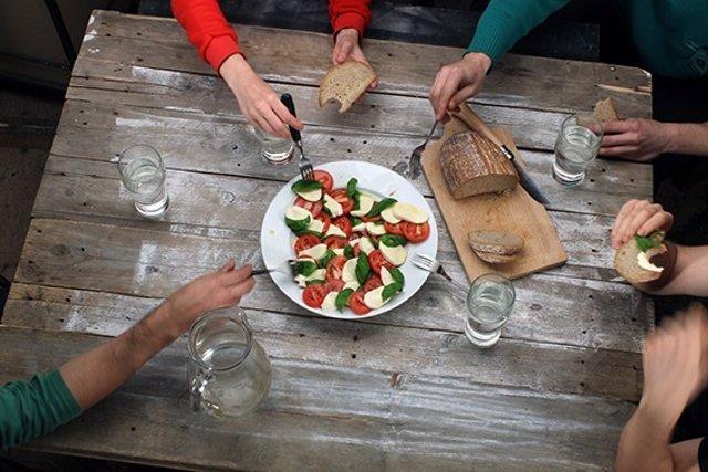 El pan es un alimento adecuado para tomar en la cena