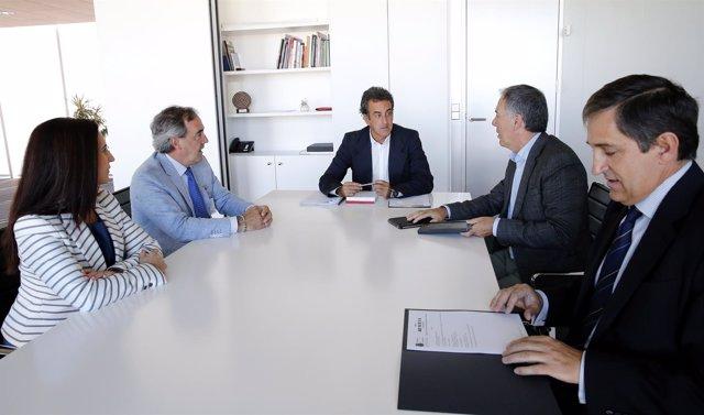 Martín se reúne con concesionarios
