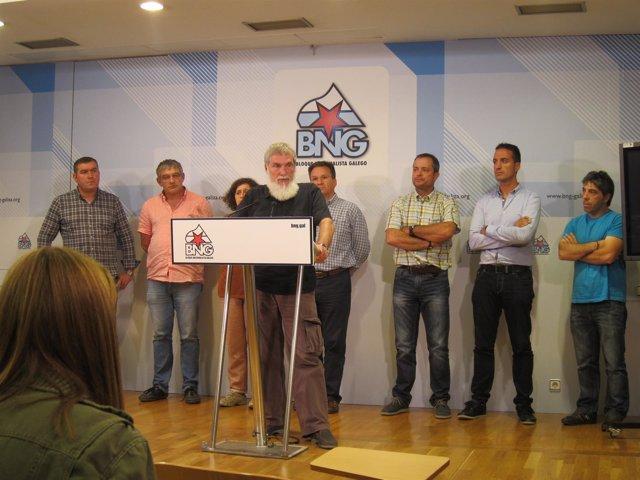El alcalde de Boimorto Mini en una rueda de prensa del BNG