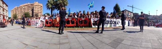 Protesta contra las corridas de toros en Gijón
