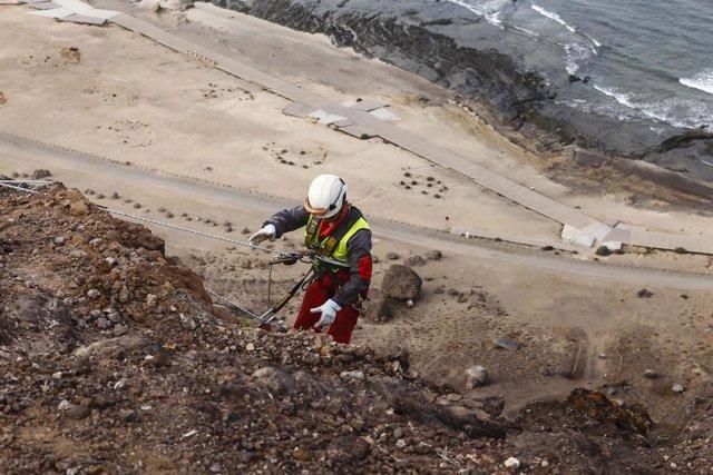Cierran los accesos a la playa de El Confital