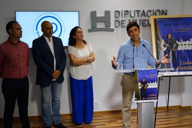 El alcalde de Ayamonte, Alberto Fernández, presenta III Paseo por el Arte.