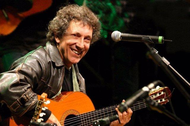 Eugenio Bennato en el festival Sete Sóis Sete Luas