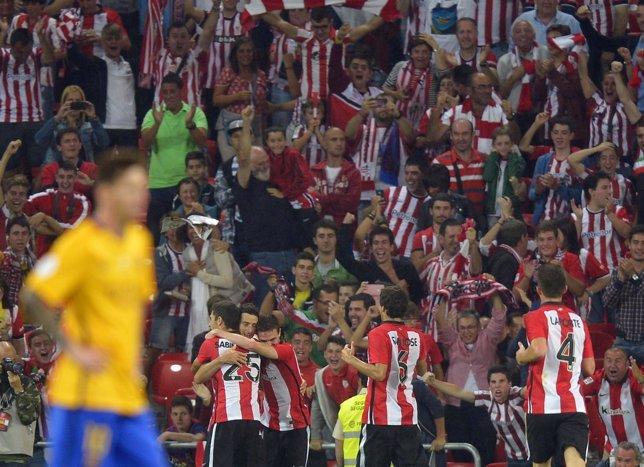 El Athletic golea al Barcelona en San Mamés