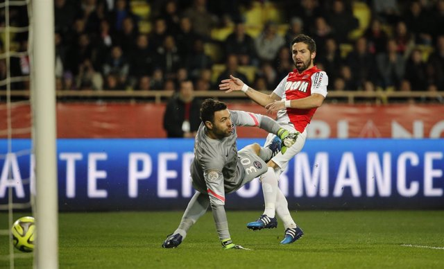 Monaco Joao Moutinho Paris Saint Germain Sirigu