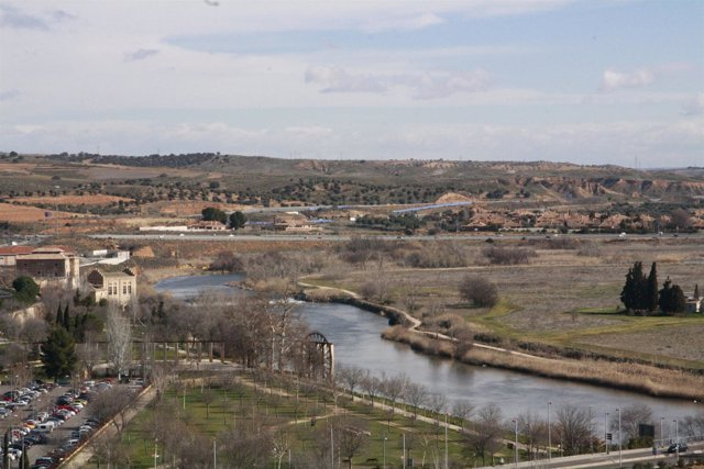 Toledo, Cielo, Nubes dispersas,Tiempo, Río Tajo, Agua