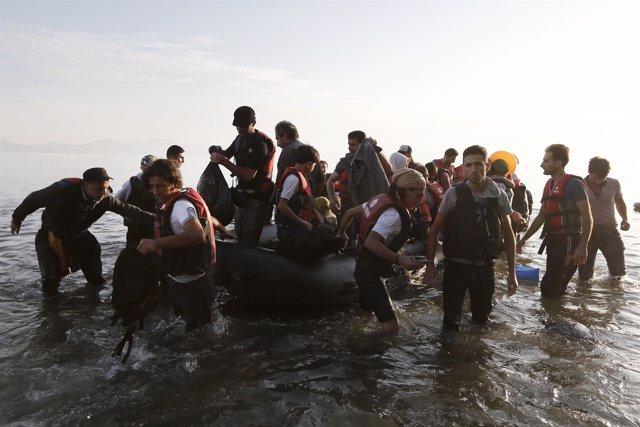 Refugiados sirios llegan a la isla de Kos