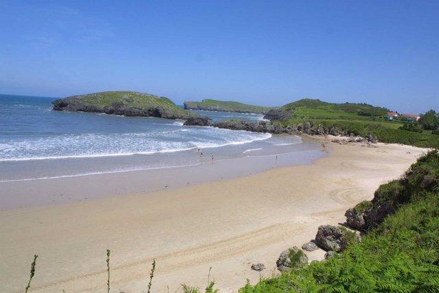 Playa de Barro, Llanes, Asturias. Playa, verano, sol