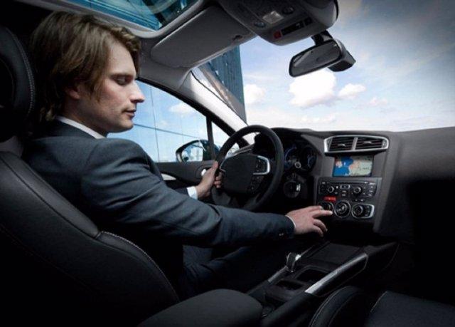 Conductor de vehículo, aire acondicionado